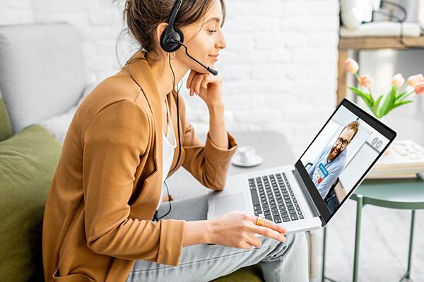 Jobbsøker i digital intervjusituasjon