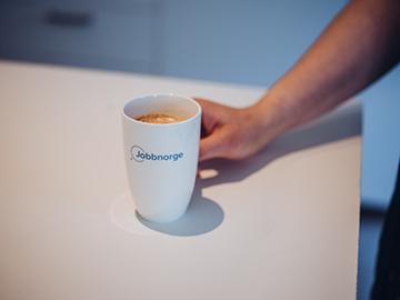 Bilde av en Jobbnorge kaffekopp.