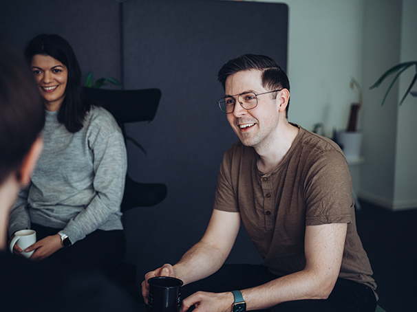 Bilde av glade ansatte i Jobbnorge